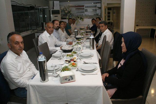 Devrek Belediyesinden kurum amirlerine iftar yemeği