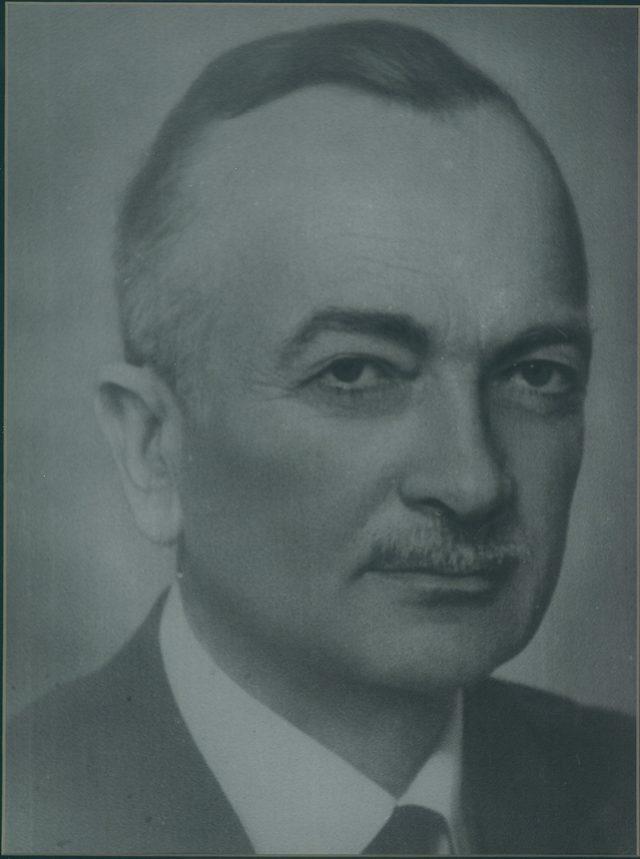 İSO Meclis Salonu'na iş insanı Fazıl Zobu'nun adı verildi