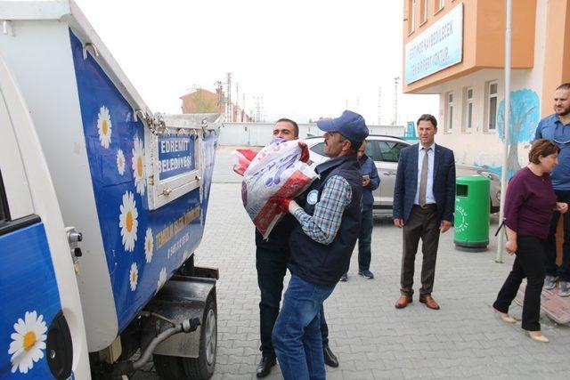 Edremit Belediyesinden 'Ödüllü Atık Pil Toplama' kampanyası