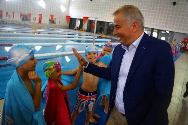 Büyükşehir yüzme kurs kayıtları başlıyor