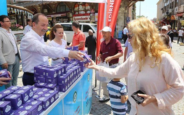 Edirne'de 15 bin adet kandil simidi dağıtıldı