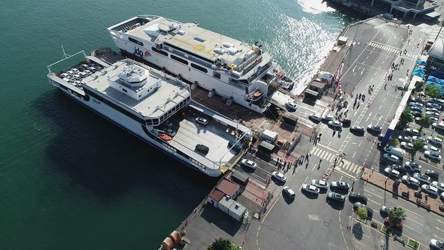 (Havadan fotoğraflarla) Yenikapı iskelesinde bayram tatili yoğunluğu