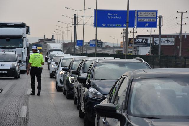 Bursa- Ankara yolunda bayram yoğunluğu