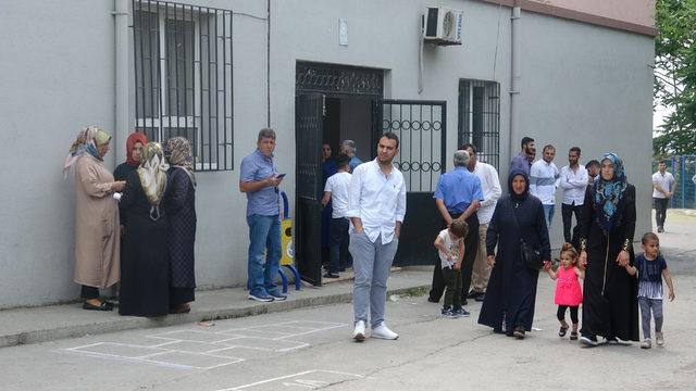 Kocaeli'de bir mahalle muhtarını seçiyor