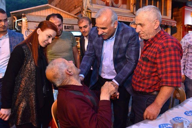 Son ilçe iftarını ata yurdu Çaykara'da yaptı