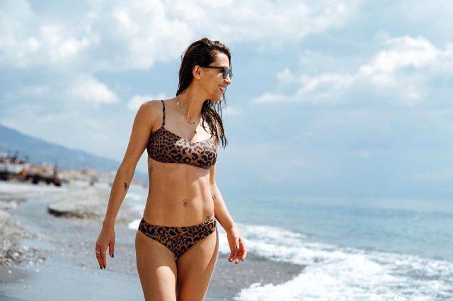 unlu-isimlerin-bikinili-paylasimlari-sosyal-12111041_469_m