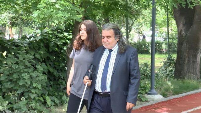 Görme engelli hukukçu, 53 yaşında avukatlık stajına başladı