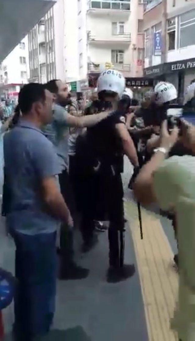 Sokakta sigara içen kadını dövdü, polise direndi