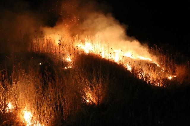 Şanlıurfa'da katı atık depolama alanında yangın