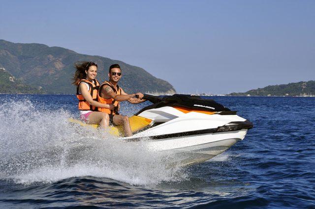 İndirimli su sporlarına tatilcilerden büyük ilgi