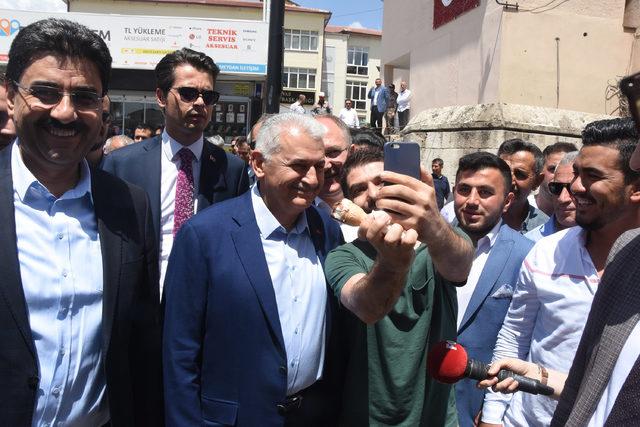 Binali Yıldırım: Canlı yayında İstanbul önceliğimiz ama her şeyi konuşuruz