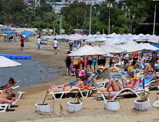 Bodrum plajları cıvıl cıvıl