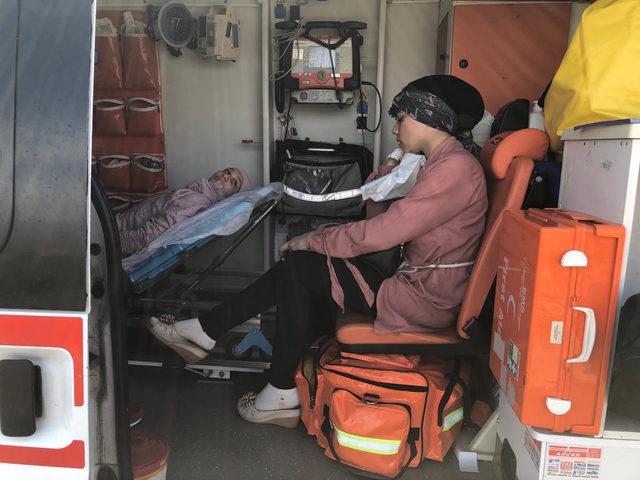 Hassa'da hafif ticari araç ile otomobil çarpıştı: 13 yaralı