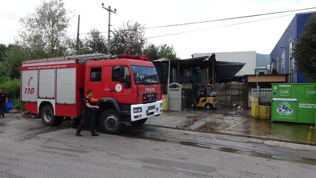 Atık pil fabrikasında yangın ile ilgili görsel sonucu