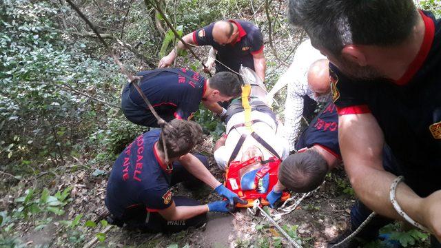 Ihlamur toplarken uçurumdan yuvarlandı, itfaiye kurtardı