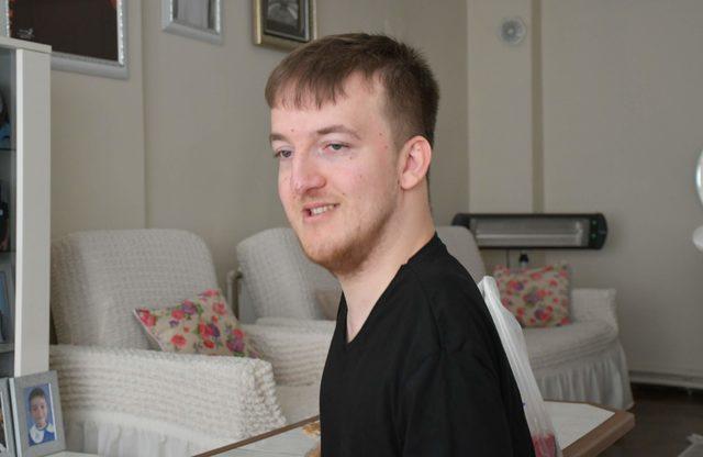 Azmin zaferi; Yüzde 98 bedensel engelli Okan, inşaat mühendisi oldu