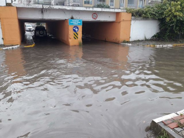 İzmit'te yağmur etkili oldu (2)