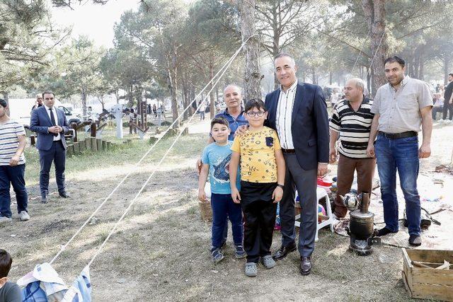 Sultangazi Şehir Ormanları, piknikçilerin gözde mekanı oldu