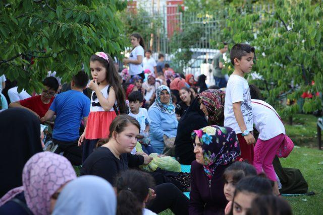 Bağcılar'da 11'inci Kiraz Hasadı Şenliği yapıldı