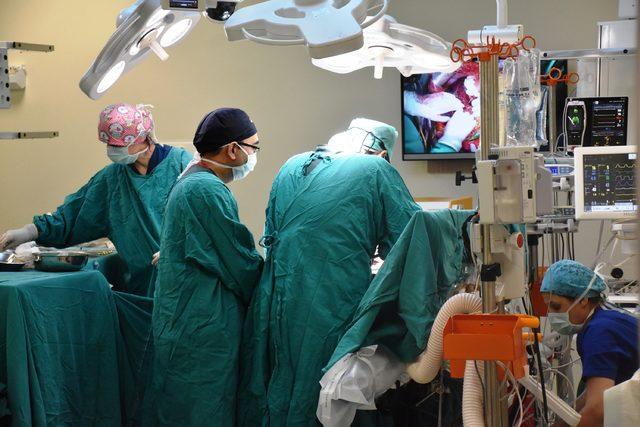 Malatya'da, 5 hastaya eş zamanlı karaciğer nakli operasyonu başarıyla tamamlandı (2)- Yeniden