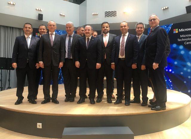 Sanayi ve Teknoloji Bakanı Varank, Microsoft Teknoloji Merkezi'nin açılışına katıldı