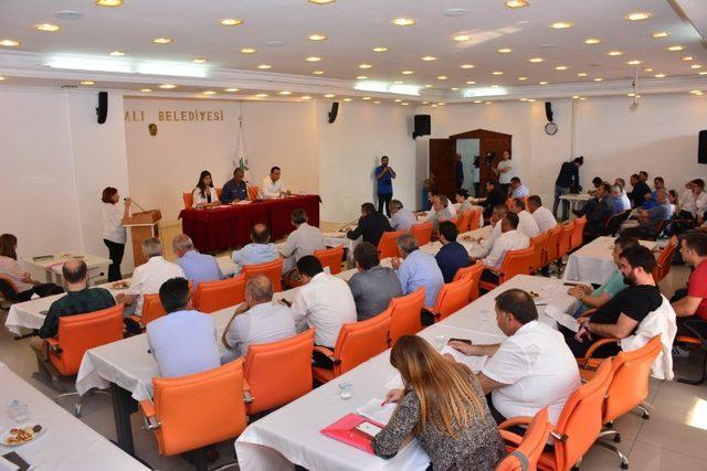 Göztepe'ye arsa tahsis edilecekti, önergeyle iptal edildi