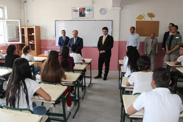 Şırnak'ta 157 bin öğrenci karne aldı