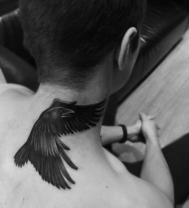 neck-tattoo-designs-31-5cf78302addf4__700