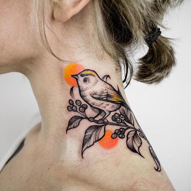 neck-tattoo-designs-86-5cf7a8030f0ce__700