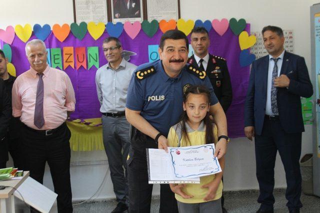 Çankırı'da karne sevinci