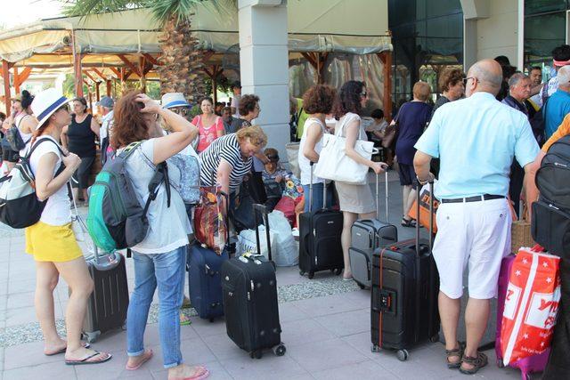 Midilli halkı, bavullarını dahi Ayvalık'tan alıyor
