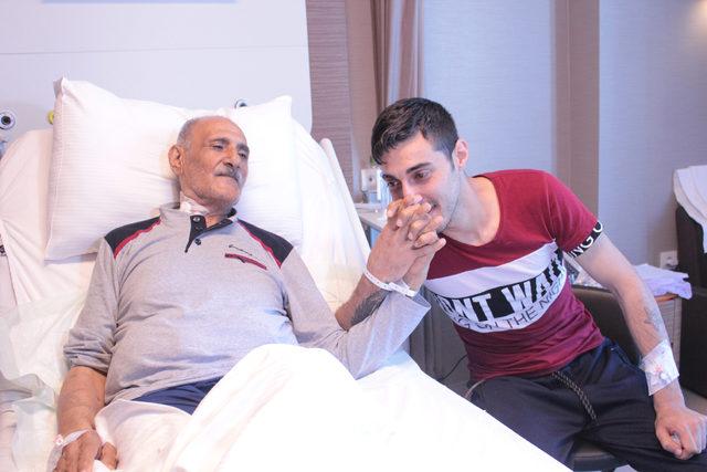 Babalar Günü'nde babasına 'yaşam' verdi