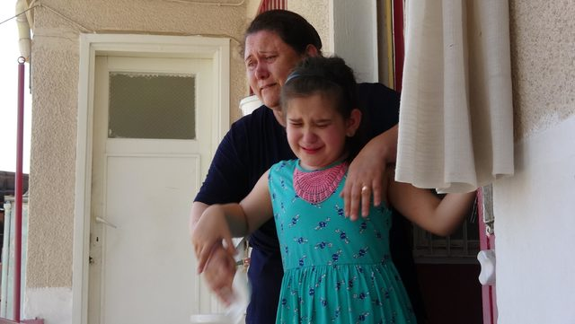 Kitabı çıkan görme engelli küçük Duru'nun sevinci