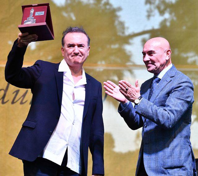 İzmir Edebiyat Festivali Murathan Mungan'la başladı