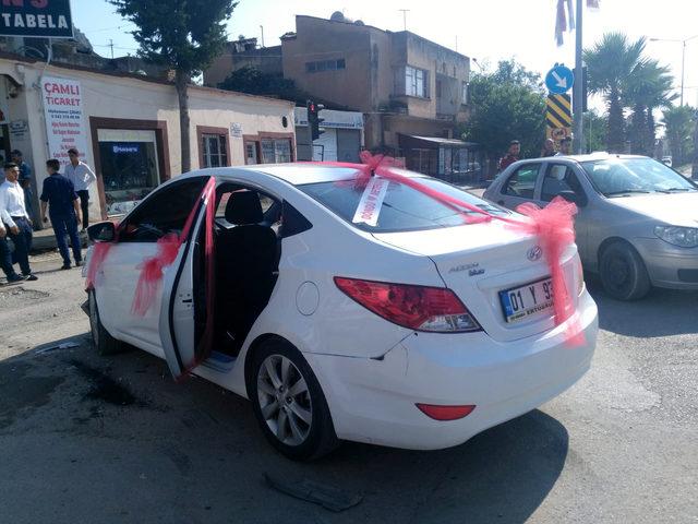 Düğün konvoyunda kaza; gelin ve 3 kişi yaralı