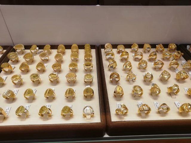 Düğünlerin başlaması altın satışlarını hareketlendirdi