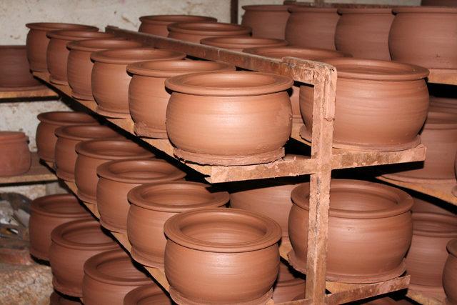 Aksaray'daki atölyeden ABD'ye güveç, testi ve çömlek