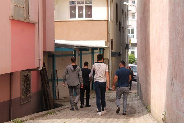 112 ekipleri Tosya sokaklarında yaralı aradı