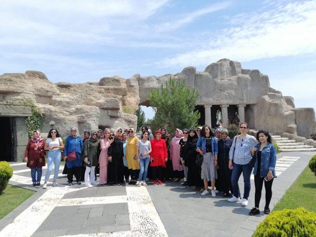 Lice Kaymakamlığı ADEM kursiyerlerine Karadeniz turu düzenledi