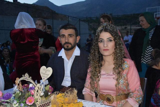 Uludere Kaymakamı, şehit oğlunu düğününde yalnız bırakmadı