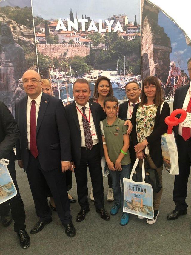 """Başkan Böcek, """"Antalya turizmini ileriye taşımak için çalışacağız"""""""