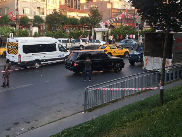 Okmeydanı'nda lüks cip silahlı saldırı: 4 yaralı (1)