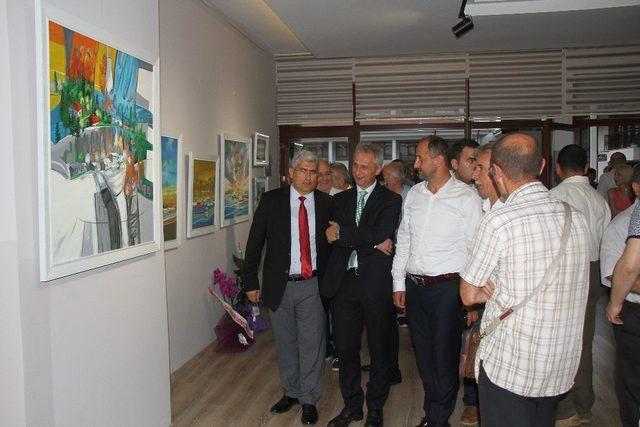 Sanatçı Kenan Demir 15. kişisel resim sergisini Akçaabat'ta açtı