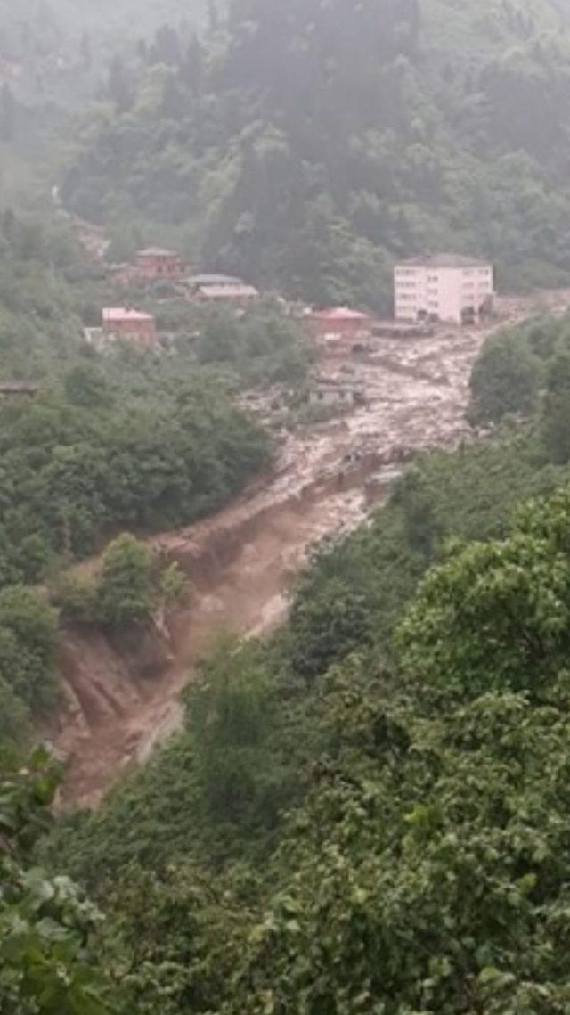 Trabzon'da taşkın: 2 kayıp, 1 yaralı (1)