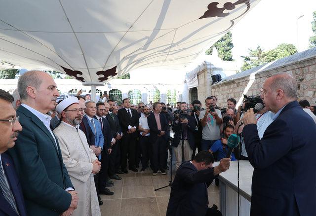 Erdoğan Fatih Camii'nde Mursi için kılınan gıyabi cenaze namazına katıldı