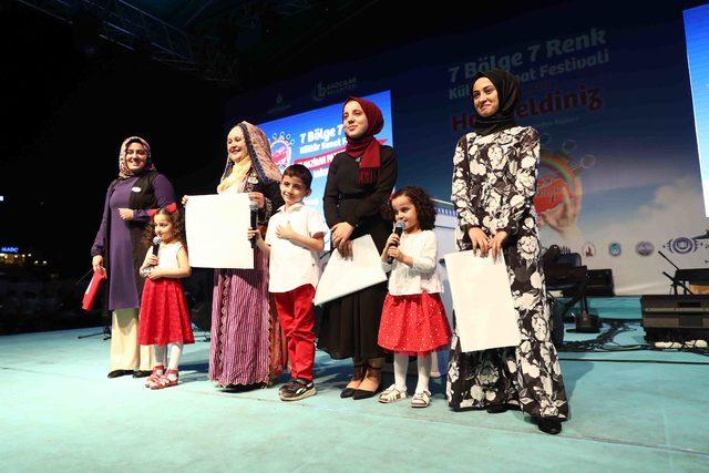 '7 Bölge 7 Renk Festivali'nde gençlerden birlik ve beraberlik vurgusu