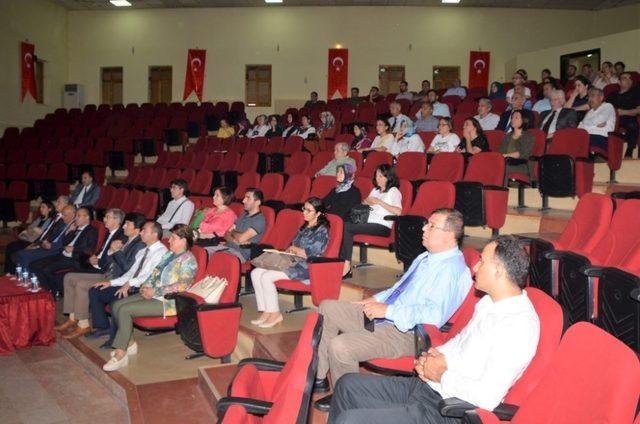 Rektör Levent, akademik ve idari personelle toplantı yaptı