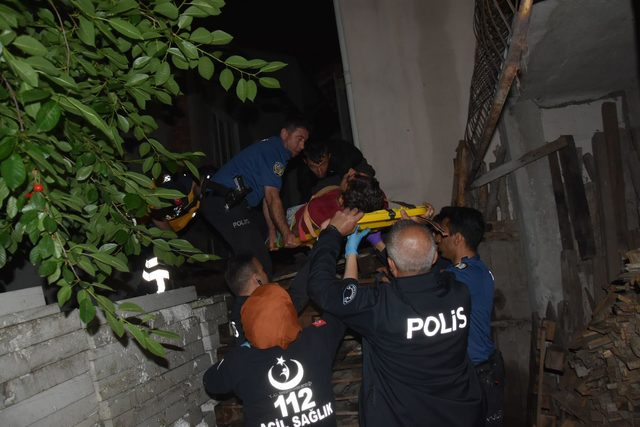 3'üncü katın mutfak penceresinden düşen Batuhan yaralandı