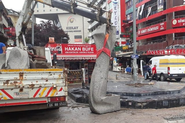 Taş Ankara heykeli emanete alındı