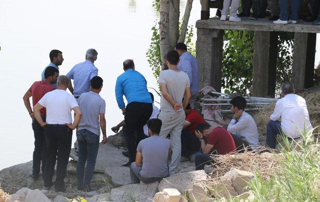 Dicle Nehri'nde kaybolan Muhammed'i arama çalışmaları sürüyor